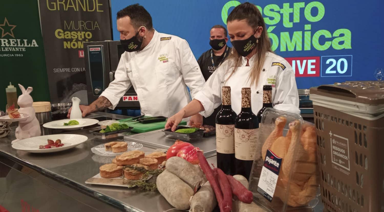 cocinan los chefs Tomás Écija y Cundi Sánchez de la Maíta y el Albero